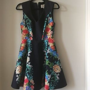 Floral mini dress with Pockets!